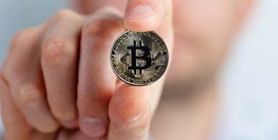 bitcoin-2643160_1920_400px